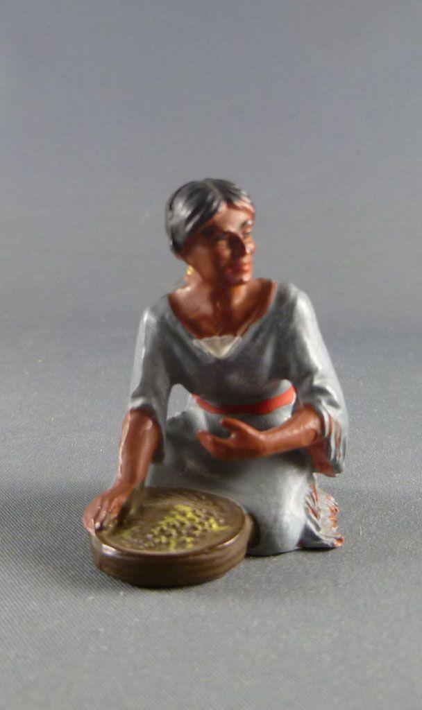 Elastolin Preiser - Indiens - Squaw assise avec nourriture (réf 6832)