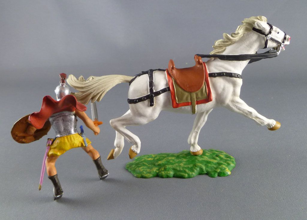 Elastolin Preiser - Romains - Cavalier épée main droite jupe jaune cheval blanc (réf 8457)