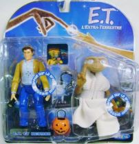 E.T. - Toys \'R\' Us Exclusive - E.T. & Keyman (interactive figures)