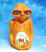 E.T. - Universal Studio 2002 - PVC Figure - E.T with fish bottle