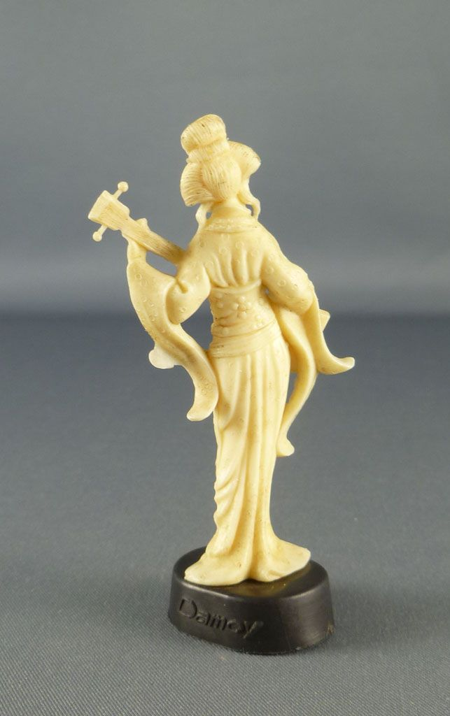 figurine_publicitaire_damoy_maurice_mir_lyons___statuettes_chinoises___chinoise_avec_grande_lyre_2