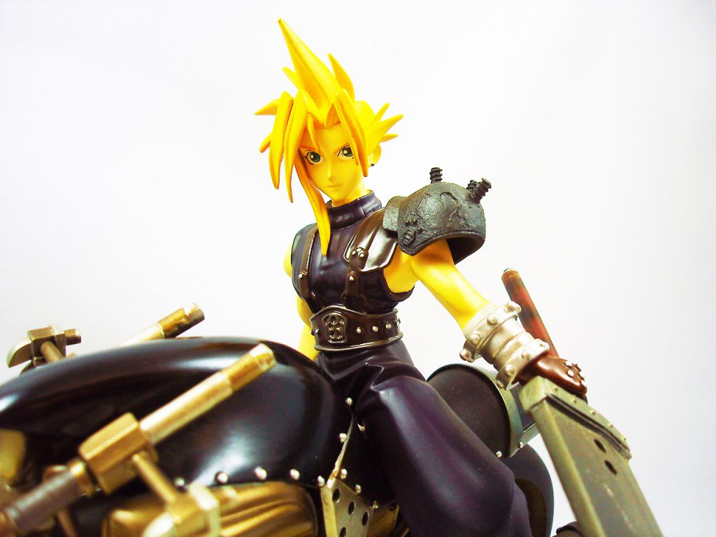 Final Fantasy VII - Cloud Strife & Hardy Daytona - Kotobukiya 1:8 scale cold-cast resin statue