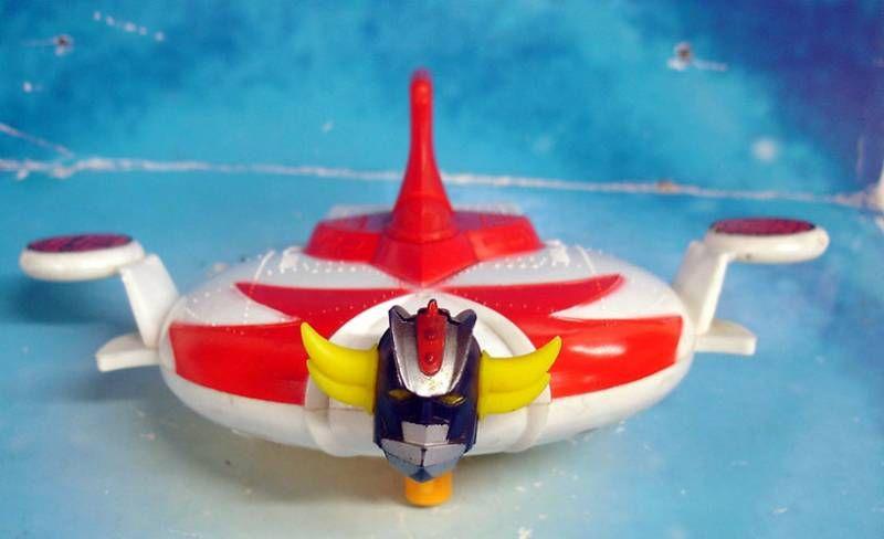 Goldorak - Bandai - Soucoupe jouet de bain à remontoir (loose)