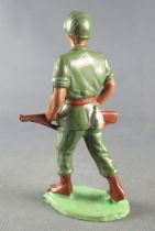 Guilbert - Modern Army - Khaki Infantry both hands on brown rifle