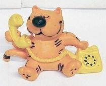 Heathcliff - Comic Spain - Heathcliff on the yellow phone
