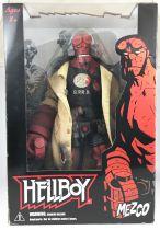 "Hellboy (Mike Mignola\'s Comics) - Mezco - Hellboy \""Battle Damaged\"" 45cm"