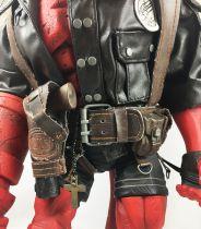 Hellboy (Mike Mignola\'s Comics) - Mezco - Hellboy Rocket Pack 18-inch