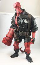 Hellboy (Mike Mignola\'s Comics) - Mezco - Hellboy Rocket Pack 45cm (18-inch)