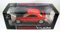 Highway 61 Collectibles Cuda Concept Rallye Red w/Black AAR Stripe 1/18ème (Diecast Metal)
