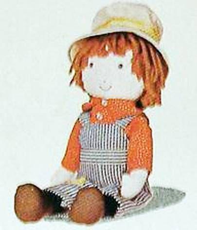 Holly Hobbie - Knickerbocker - Robby Hobbie, Holly Hobbie\'s brother 8\'\' Stuffed doll (Mint in Box)