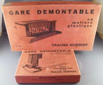 Hornby 22 + 22A 0 Gauge Large Plastic Station 59cm in Box