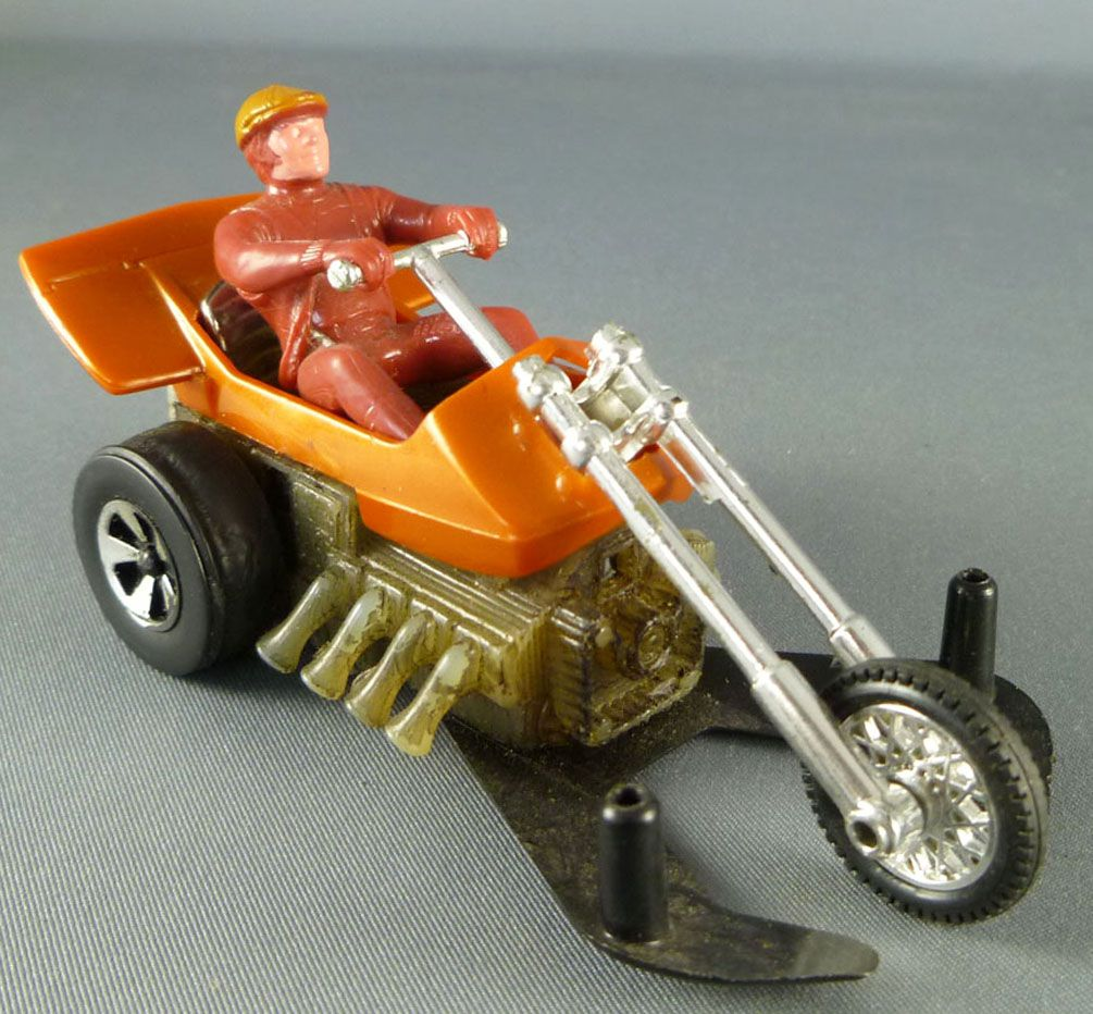 Hot Wheels Mattel Vintage 70\'s Chopcycle with Red Pilot