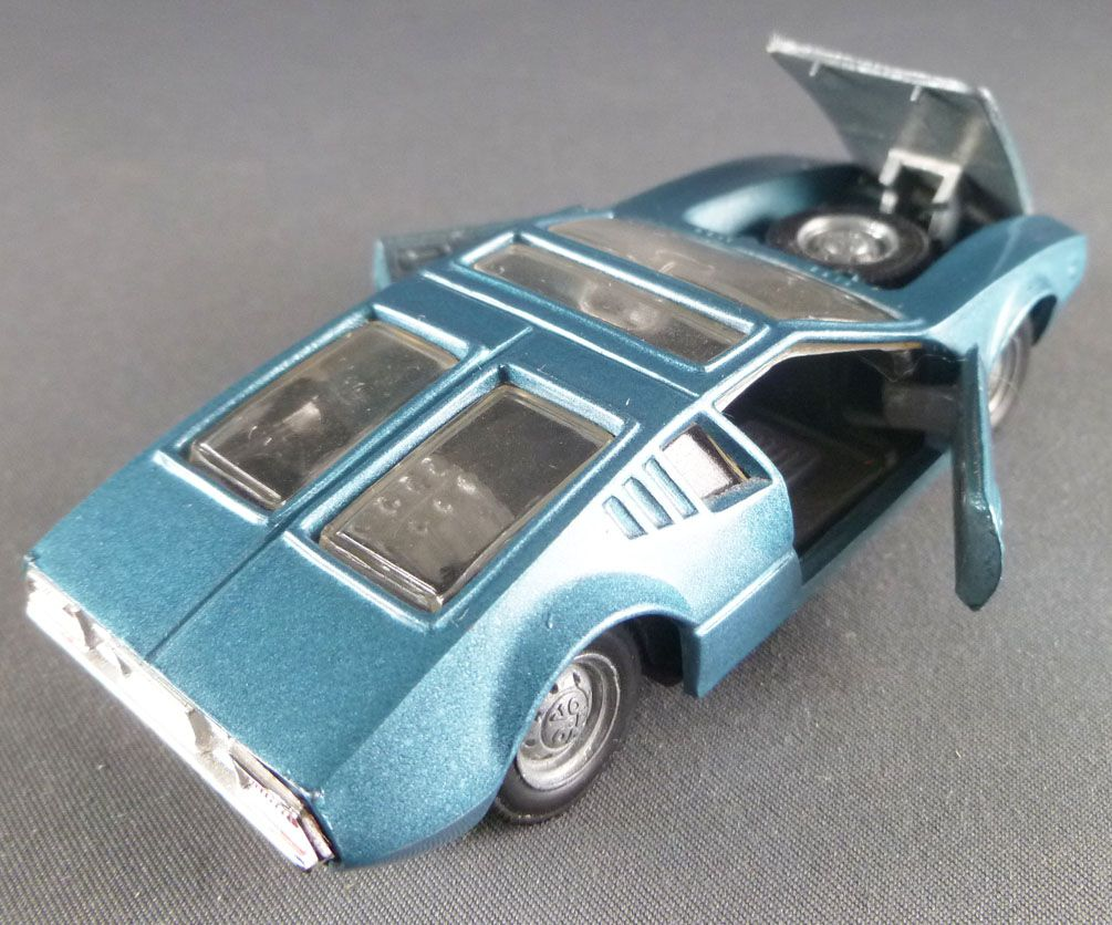 Inter cars Ref 106 Blue De Tomaso Mangusta without Box 1:43