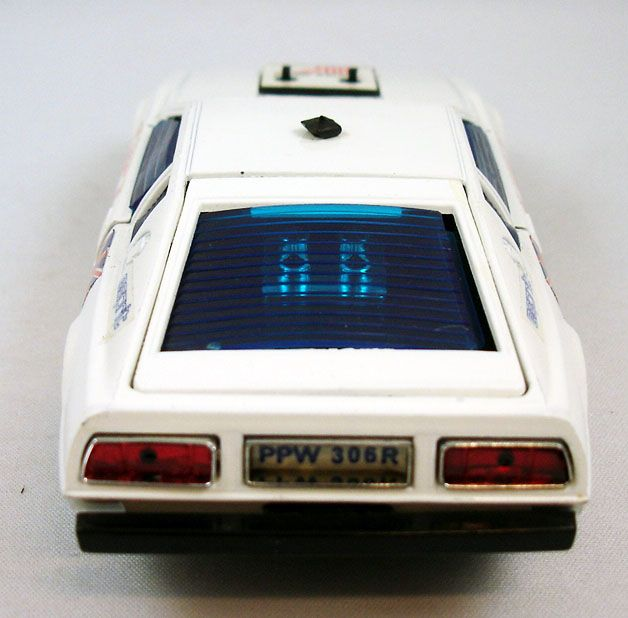 james_bond___eidai_grip___l_espion_qui_m_aimait___lotus_esprit_1_36eme__6_