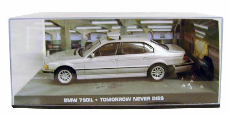 FASCICULE 16 JAMES BOND 007 BMW 750I DEMAIN NE MEURT JAMAIS POSTER