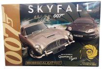 James Bond - Micro Scalextric - Skyfall - Aston Martin DB5 vs DBS (Edition Limitée 50ans)