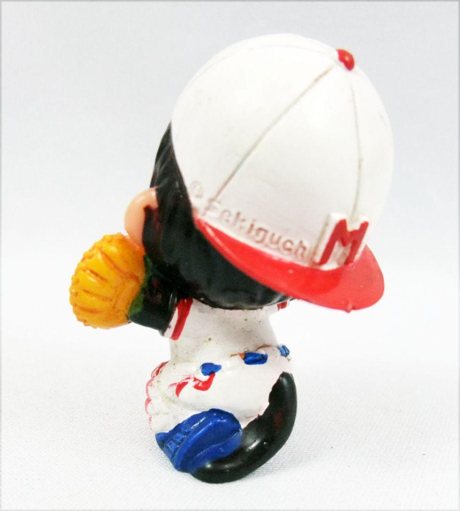 Japanese pvc figure Monchichi baseball receiver
