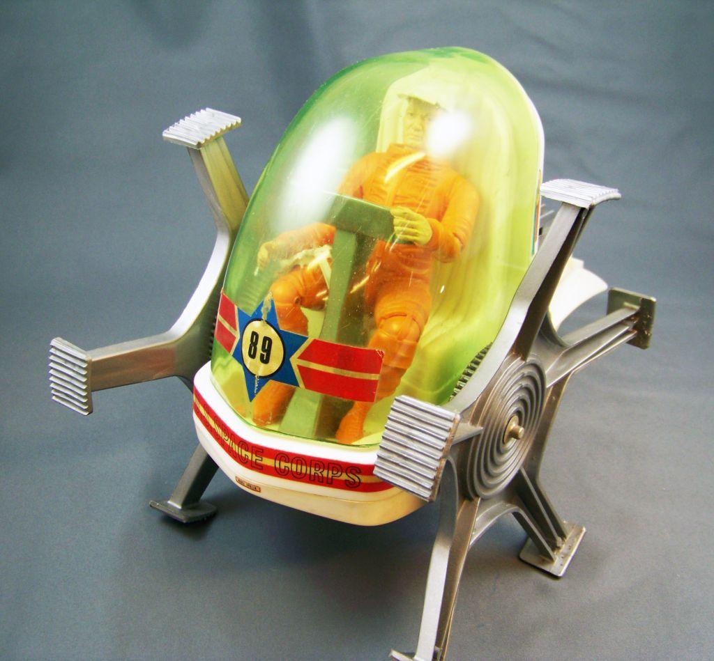 johnny_apollo___marx_toys___space_crawler_avec_mark_apollo__1968__13