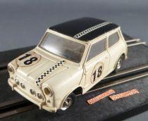 Jouef 3550 - Austin Mini Cooper 1300 Blanche N° 18 & 2 Frotteurs Neufs