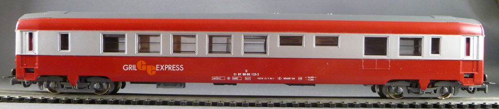Jouef 5482 Ho Sncf Restaurant Grill Express Uic Coach Red & Grey Livery in red box