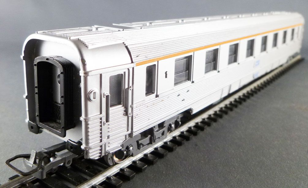 Jouef 5580 Ho Sncf Voiture Inox A8 1° Cl 518718-87 816-9 Eclairage 2