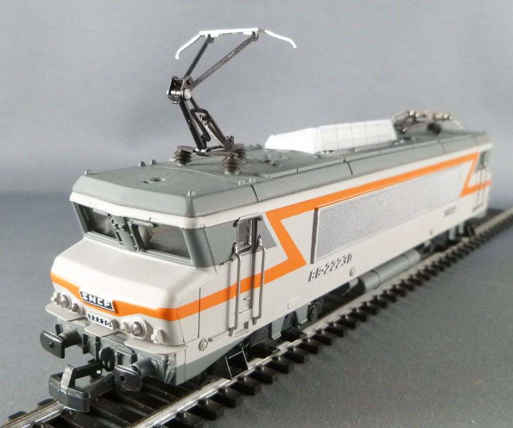 Jouef 8347 Ho Sncf Electric Loco BB 22230 with lightning
