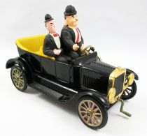 Laurel & Hardy - Politoys - Stan & Ollie\'s Car - Die-cast metal 1/25 scale vehicle