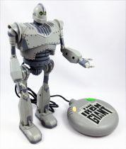 Le Géant de fer (The Iron Giant) - Trendmasters - Figurine articulée 26cm (Télécommandé)
