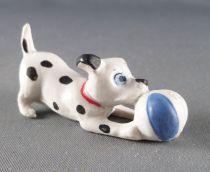 Les 101 dalmatiens - Figurine Jim - Chiot jouant avec une balle bleue collier rouge