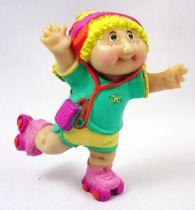 Les Patoufs - Figurine PVC 1984 - Fille blonde en roller-skates