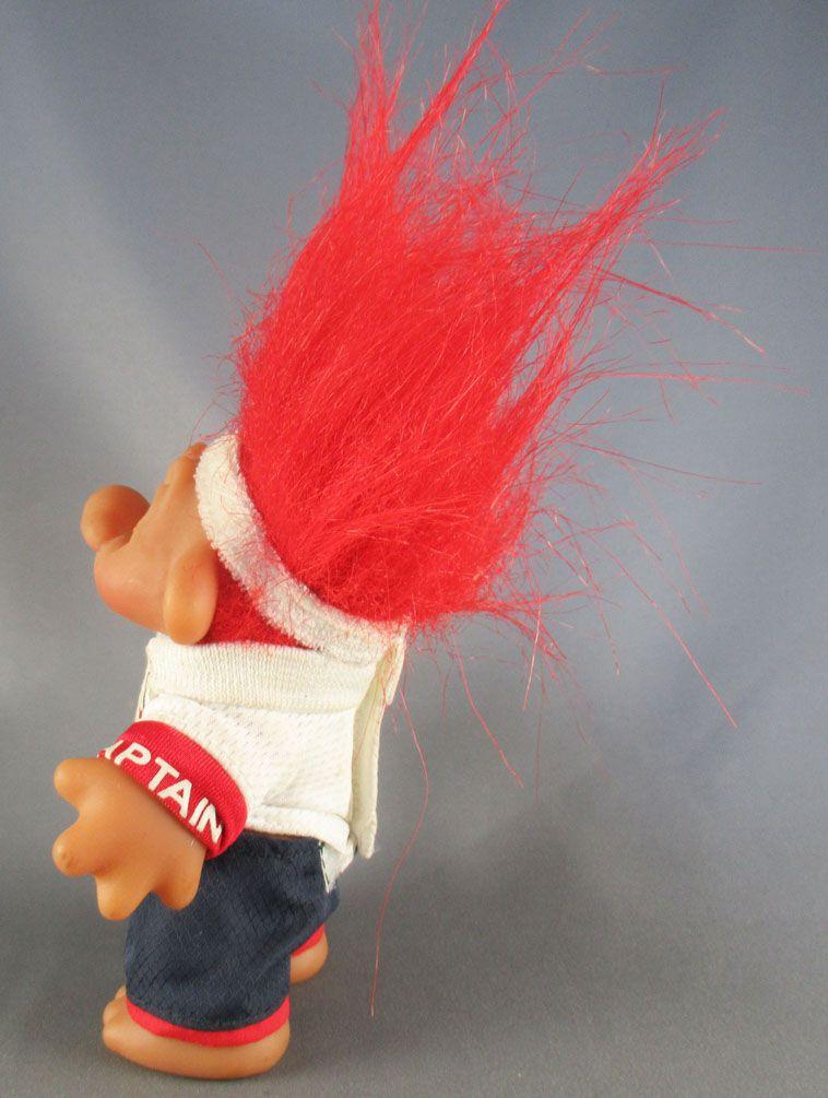 Les Trolls - Figurine Plastique 15cm (Thomas Dam) - Troll Capitaine Maillot Angleterre Cheveux Rouge