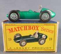 Lesney Matchbox N° 19 Aston Martin F1 Racer Green Metalised with Box