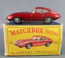 Lesney Matchbox N° 32 Jaguar Type E Rouge Métallisé avec Boite
