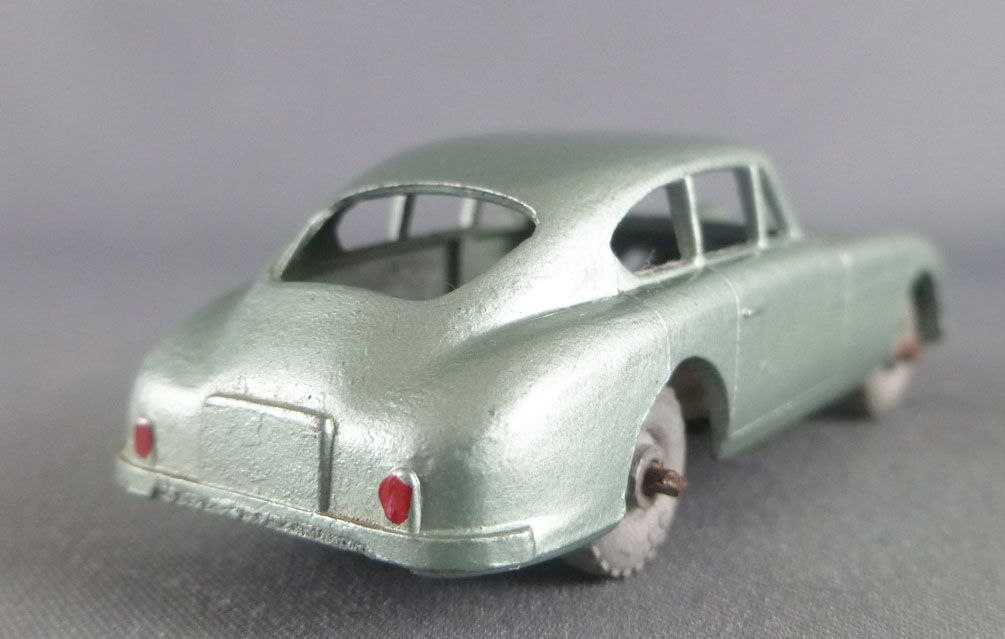 Lesney Matchbox N° 53 Aston Martin DB2-4 Vert Clair Métallisé
