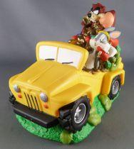 Looney Tunes - 18cm Bank 1998 Bullyland - Taz & Bugs Bunny Jeep Treasure