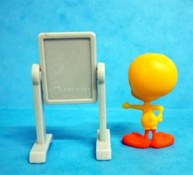 Looney Tunes - Kinder Surprise Premuim Figure 1991- Tweety with paper board