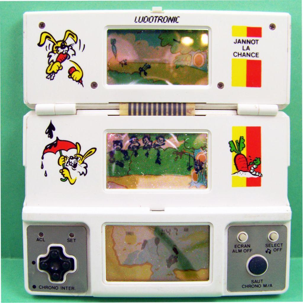 Ludotronic - Handheld Game 3 Ecrans - Jannot La Chance 02