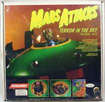 Mars Attacks! - Topps Screamin\' Model Kit - Terror in the Sky