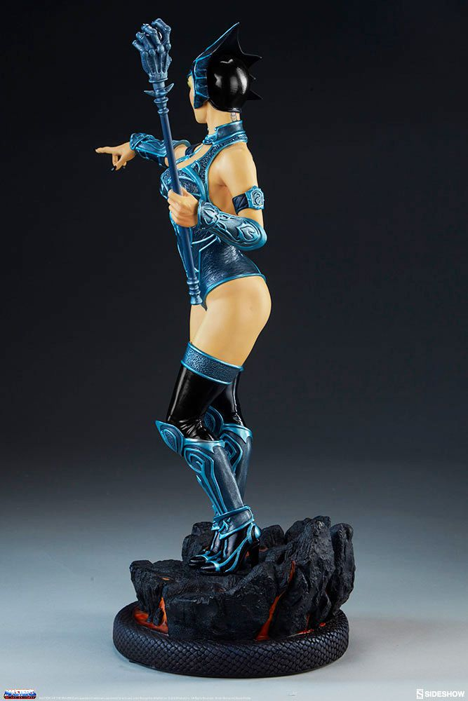 """Masters of the Universe - Sideshow Collectibles - Evil-Lyn (classic colors) - 14\"""" resin statue"""