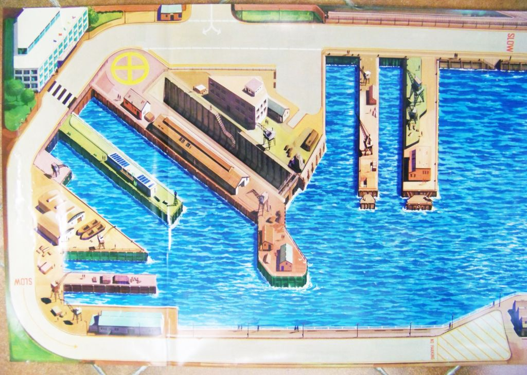 matchbox_1976_seaport_playmat__120x50cm____matchbox_seakings_04