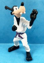 Mickey et ses amis - Figurine PVC Bullyland 1998 Winnig Team - Dingo Karateka