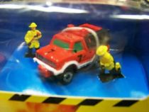 micro_machines___galoob_ideal___1990_double_action_fire_station_05
