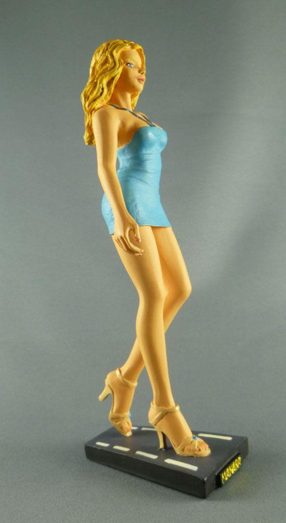 milo_manara___statuette_altaya_n__30___donatella_3