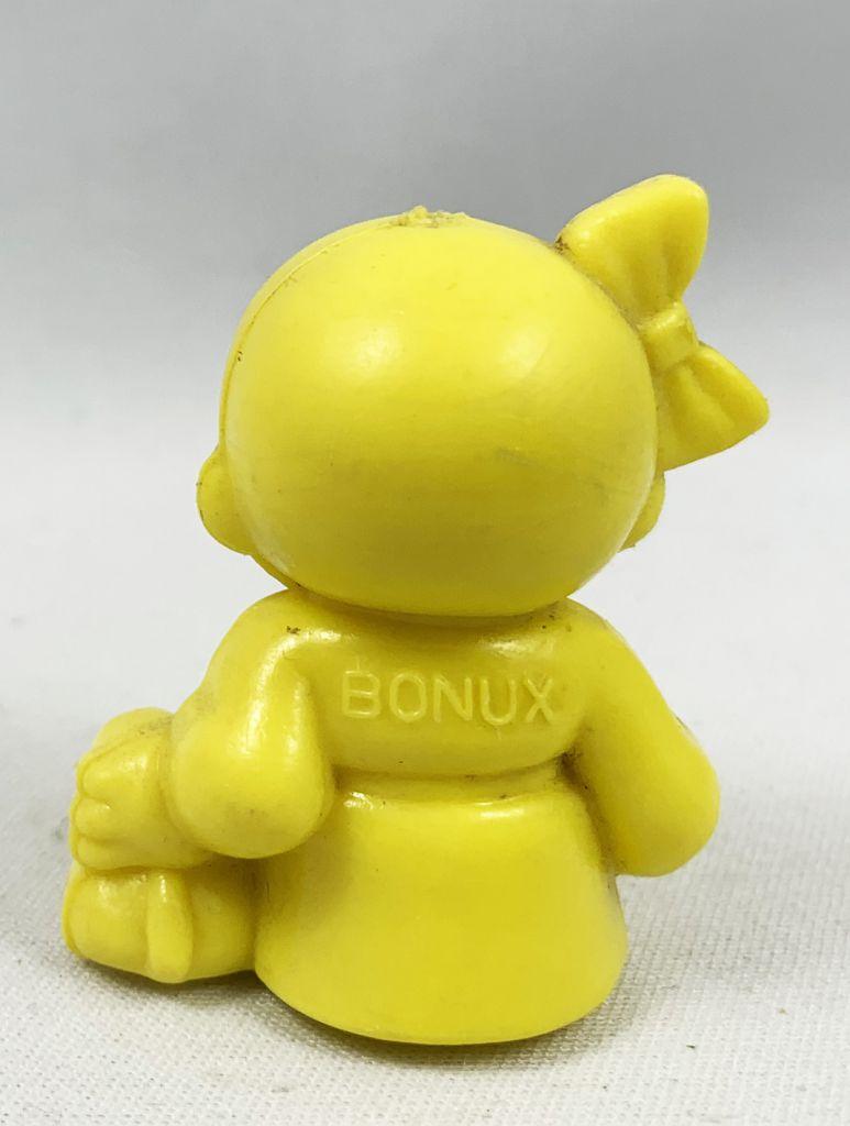 Monchichi - Bonux - Monchichi sitting with puppy yellow figure