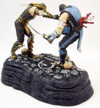 Mortal Kombat - Scorpion vs. Sub-Zero : Fatality!- Statuette pvc 14cm + Artbook