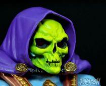 motu_classics___laser_power_he_man___laser_light_skeletor__5_