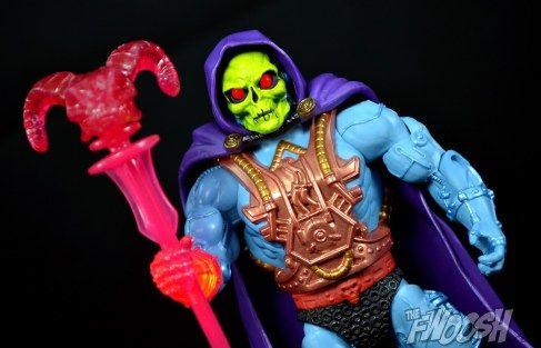 motu_classics___laser_power_he_man___laser_light_skeletor__8_