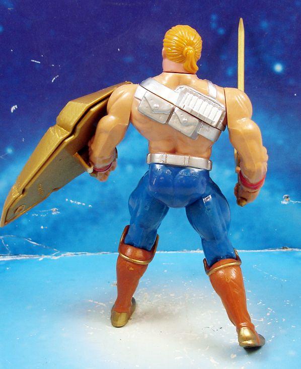 MOTU New Adventures of He-Man - Battle Punching He-Man  He-Man Champion de la Galaxie loose (1)