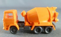 N Scale 1:160 Wiking Orange Mercedes Truck Mixer