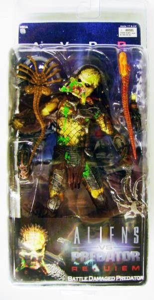 NECA - Alien vs Predator Requiem - Unmasked Battle Damaged Predator